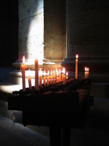candles-in-st-blaise-montepulciano